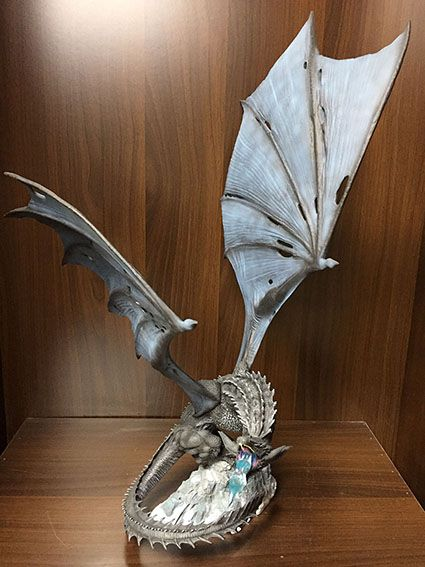 Fly dragon resin statue