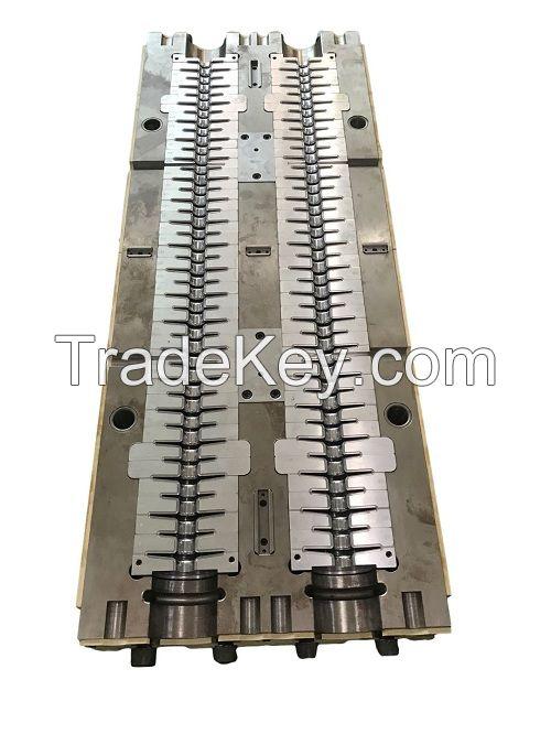 Composite insulator mold
