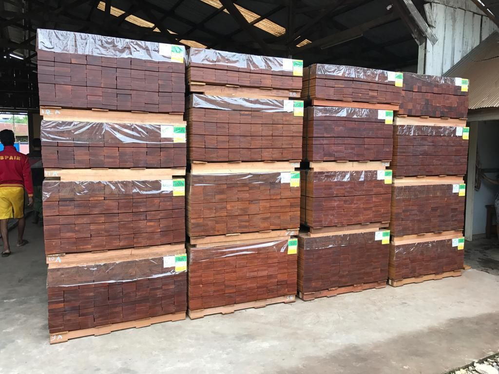WOOD DECK MATERIAL OUTDOOR PRODUCTS