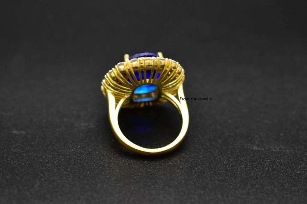 18k elegant blue glass-stone ring