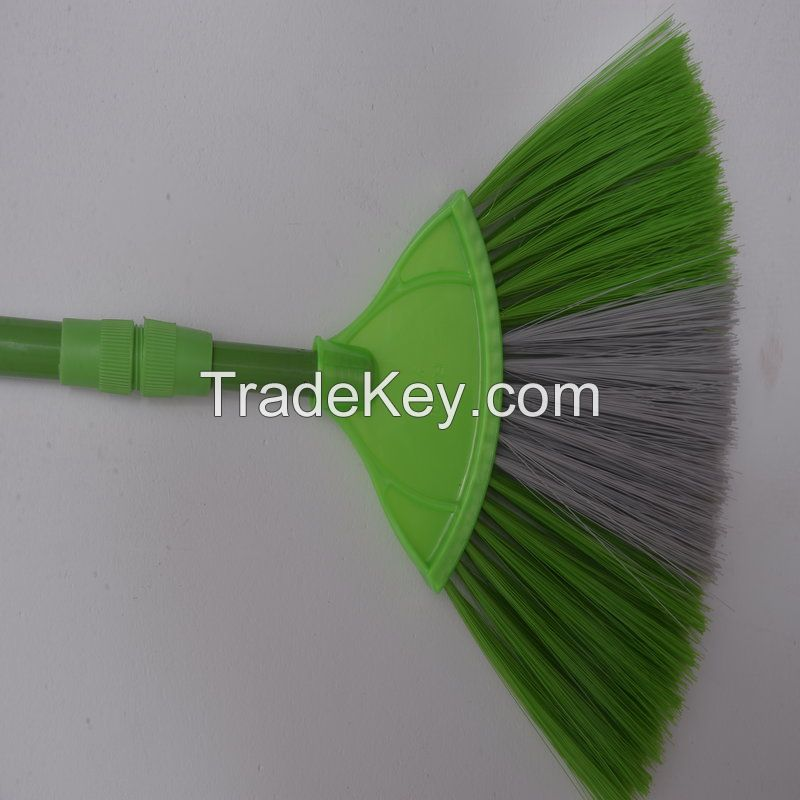KleanOne Fan Brush
