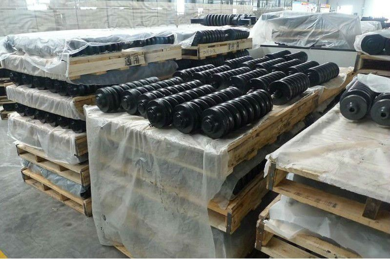 Apply to excavator spare parts undercarriage track adjuster assy