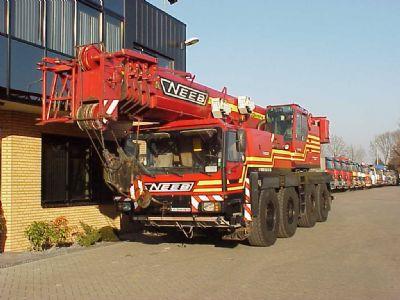 trucks,cranes