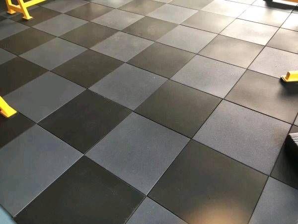 Shock-absorbing Interlocking Rubber Floor Tiles