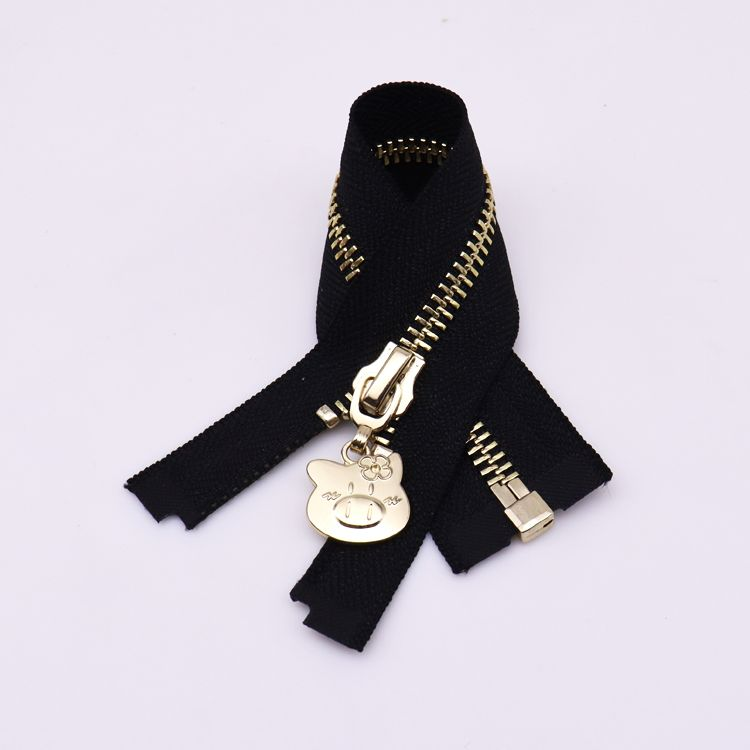 High Quality Long Chain Zipper With Metal Teeth Close End Zipper For Clothing And Luggage