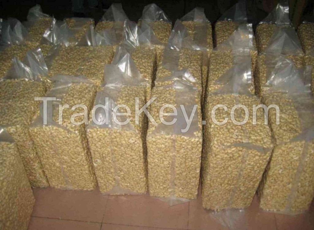 High Quality Cashew Nuts/ Almond Nuts/ Brazil Nuts/  Nuts