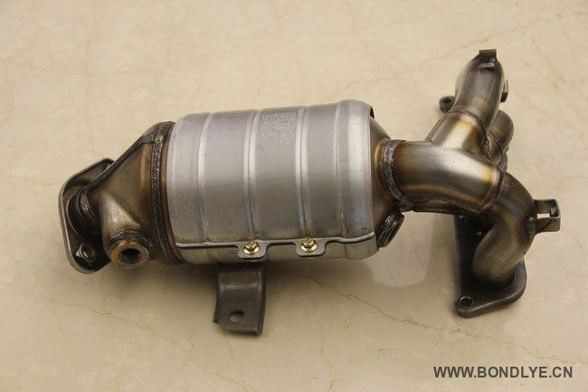Exhaust Manifold Catalytic Conveter