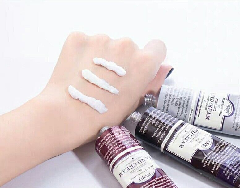 French hand cream moisturizes and hydrates men and women in summer without greasy, refreshing and portable