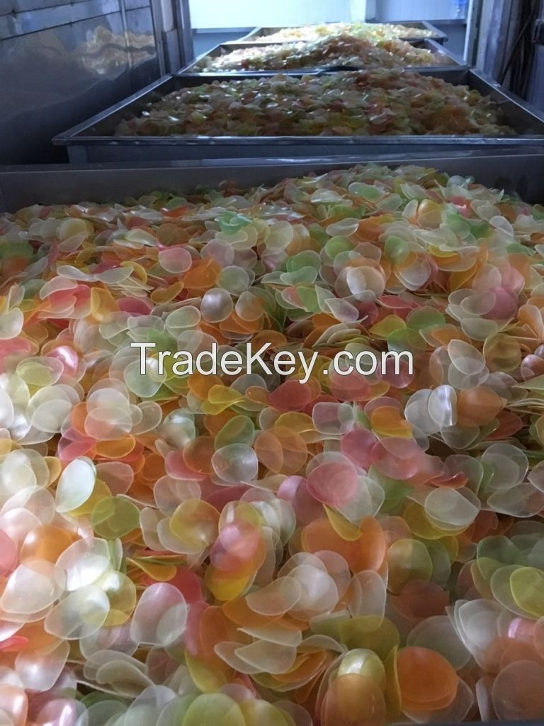 2020 hot south Africa Seafood Snacks Pellet Coloured Dried Uncooked Prawn Crackers