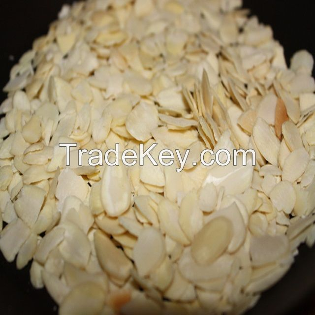 High quality natural Almond Flakes