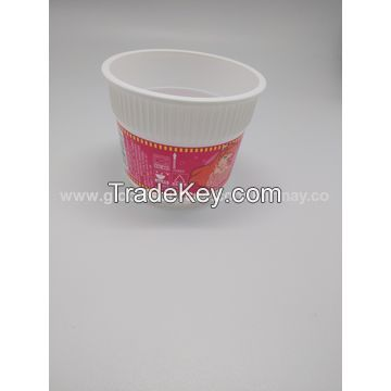Disposable plastic noodle cups with folding fork