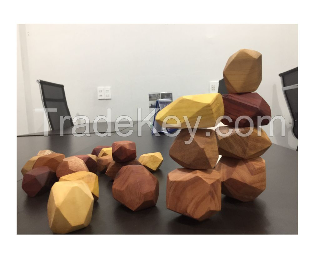 Colored Wooden Stones Balancing Stones Lightweight Eco Friendly Wooden Toys Safe For Children