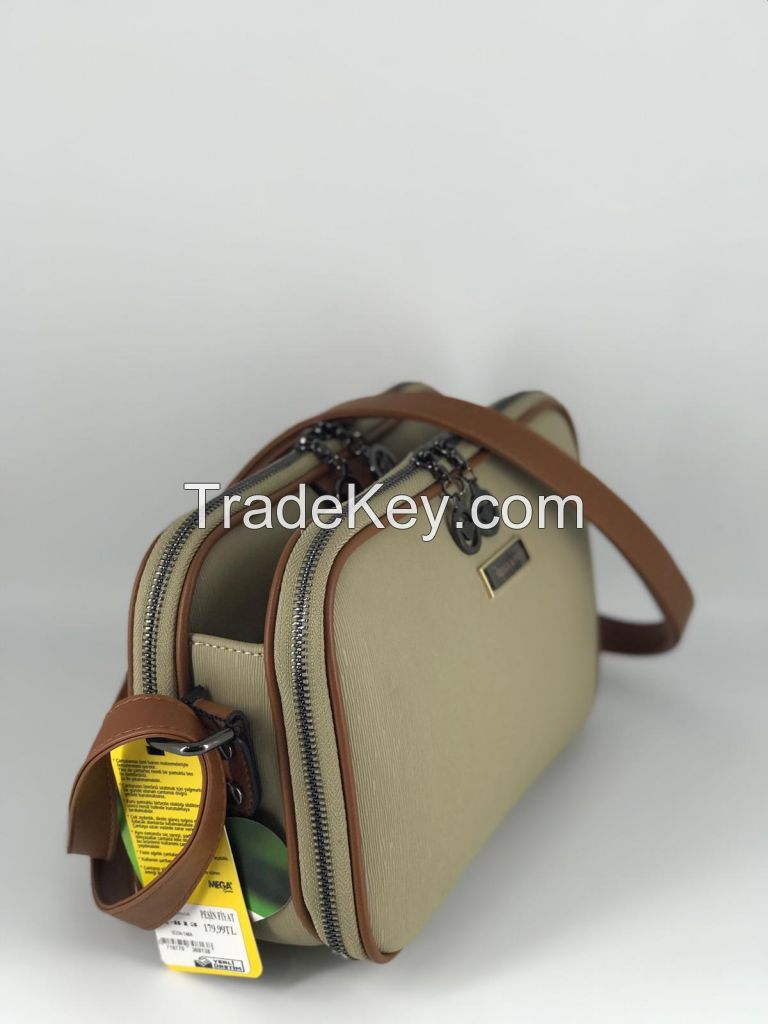 Women Shoulder, Messenger and hand bags made by Leather