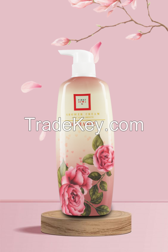 First love Shower Cream Pure silky smooth Romance