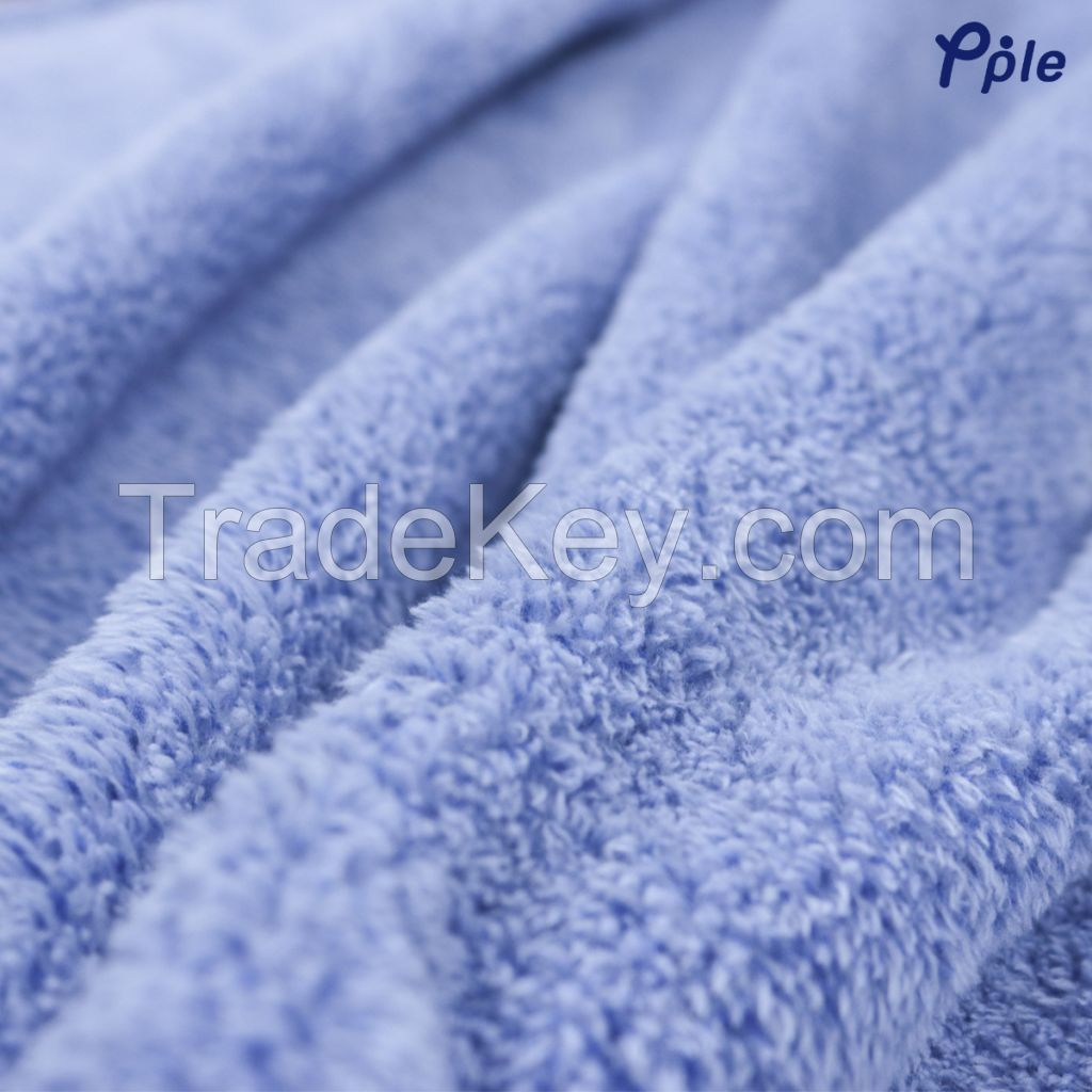 RECYCLED POLYESTER BLANKET