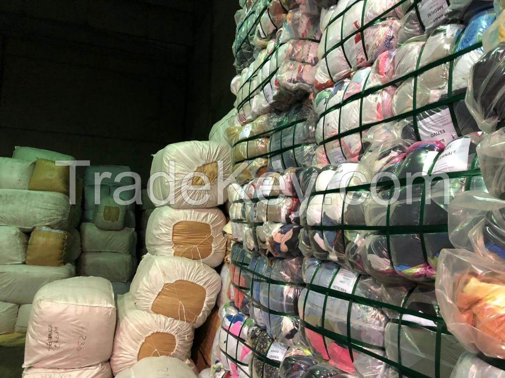 Used cashmere yarn and wool yarn and thread