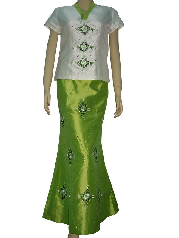 Beautiful *fashion embroidered garments