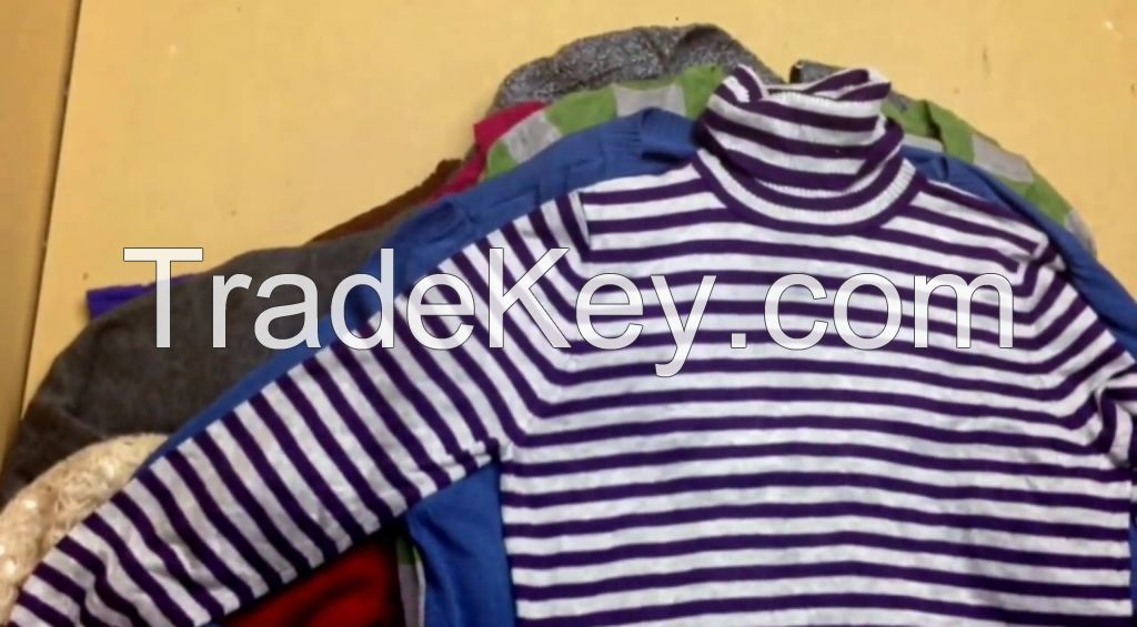 Premium Quality Women's Winter Sweaters in Dark Colors $2.50 a pound