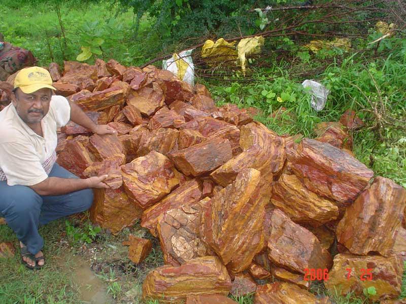 Rough Semi precious Stones: