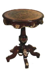 reproduction table (antique)