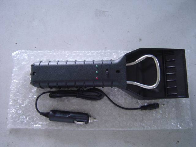 Rechargeable Heated Ice Scraper