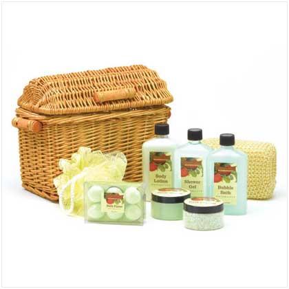 Apple Graden Bath Set in Willow Basket