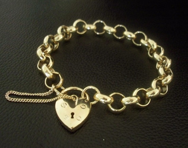 23 Carat Gold Filled Belcher Heart Locket Bracelet