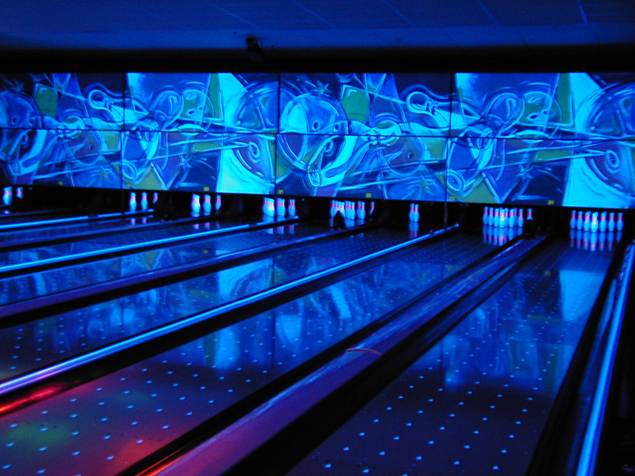 Bowling Synthetic Lanes