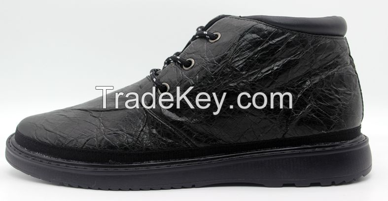 Men casual shoes Middle cutted Fashion shoes in Black color