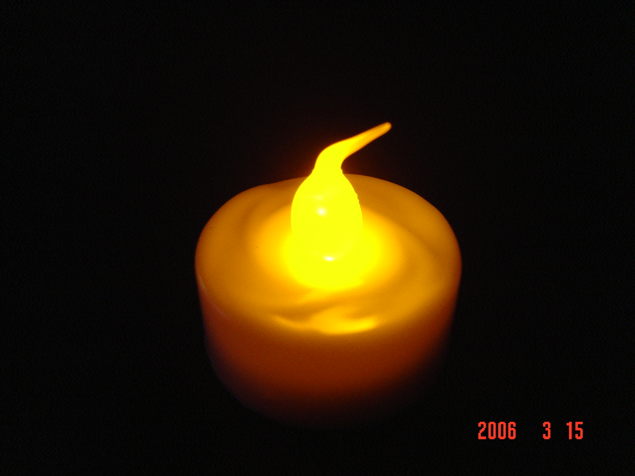LED candle c/w glass stand