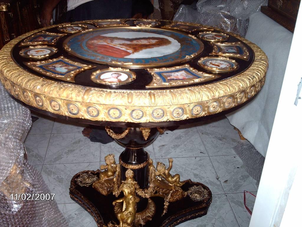 reproduction antique furniture
