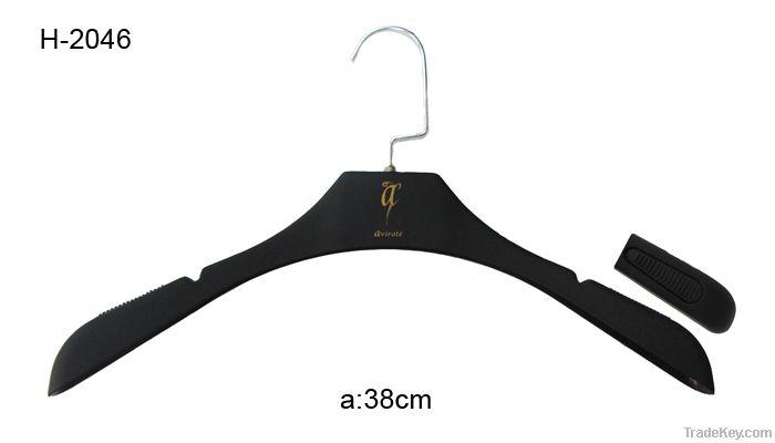 clothes hanger, plastic clothes hanger