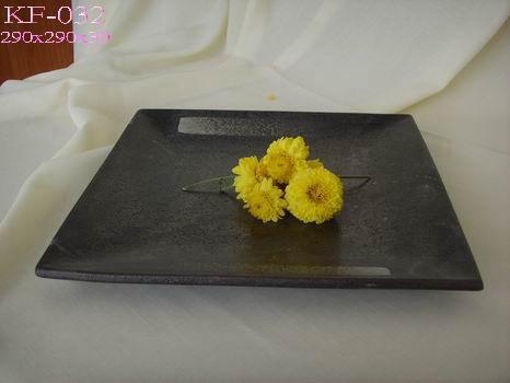Porcelain plate black