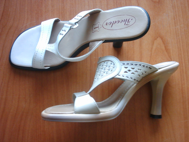 woman leather shoes with Pu sole 3