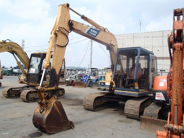 USED EXCAVATORS, WHEEL LOADERS FROM JAPAN
