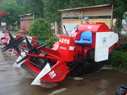 Tracked-type  Rice Combine harvester