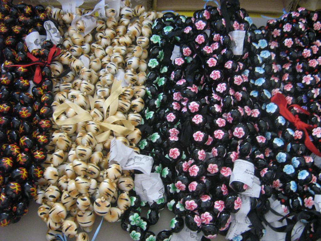 Wholesale Hawaiian Kukui Nut Lei necklace