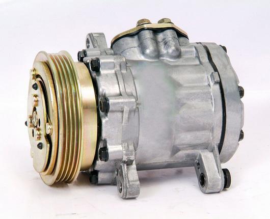 Auto A/C Compressor 7B10