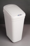 electronic inductive automatic cap-opening dustbin