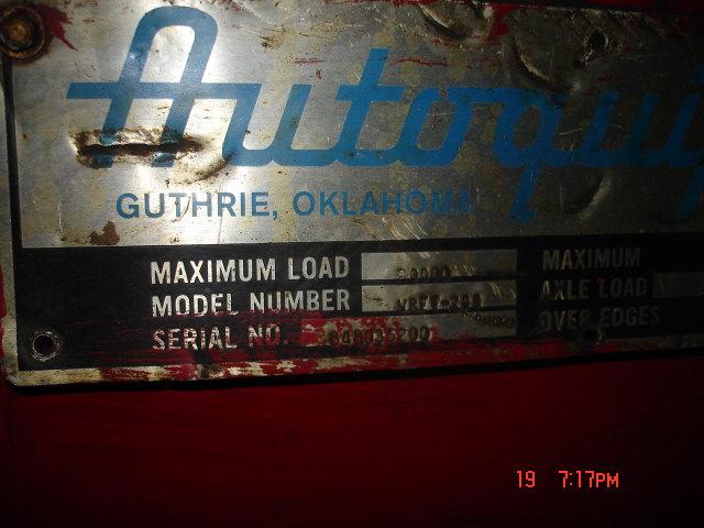 Forklift Hoist Maintenance Workstation