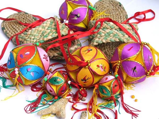 Festival gifts or ornaments--Chinese love Silk Ball