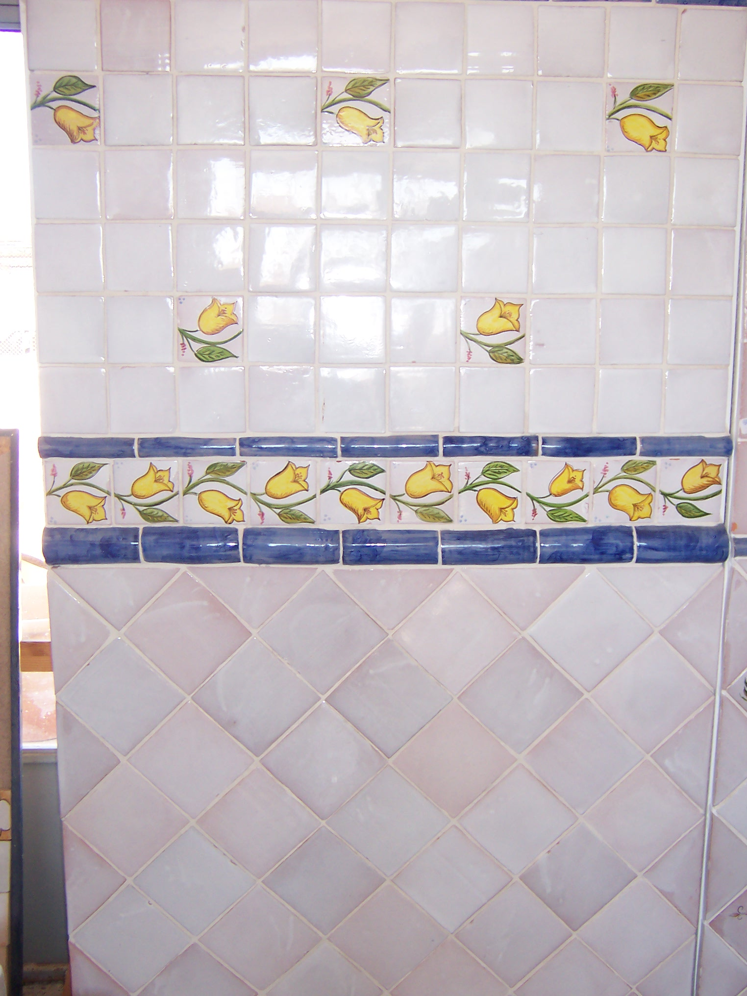 TILES HAND-MADE OF THE SOUTH OF SPAIN, CERAMIC DECORATIVE AND POTTERY