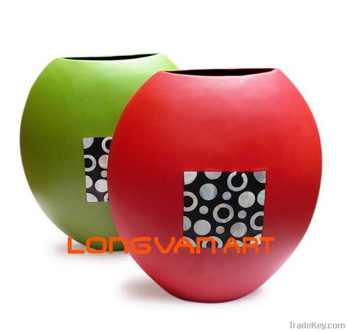 Decorative Lacquer vase