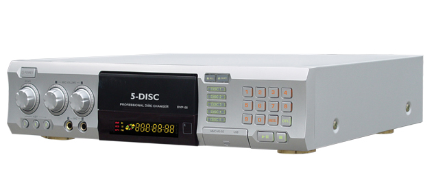 5 DISC CHANGER WITH CDG KARAOKE