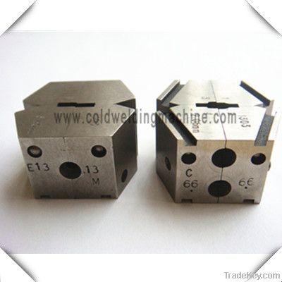 Desk cold pressure welding machine
