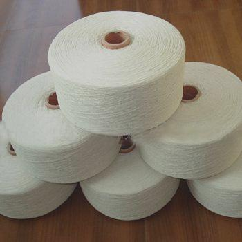 Bleaching of the white cotton yarn