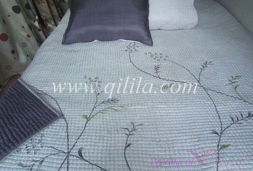 Silk quilting