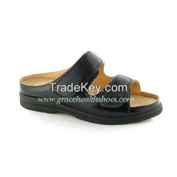 Women comfort sandal seamless lining depe and wide diabetic sandal 9811073