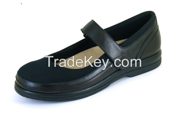 Elastic vamp Comfortable Shoes offering extra room for Diabetics and hallux valgus