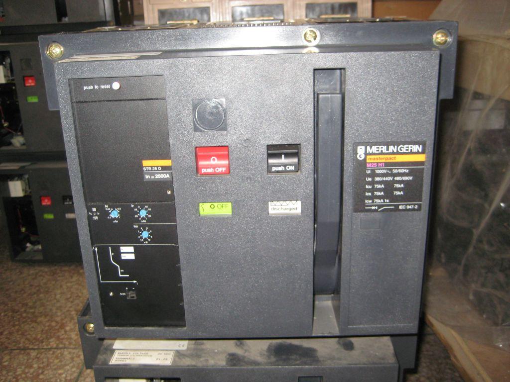 M25H1 3P STR28D Merlin Gerin Masterpact Air Circuit Breaker In=2500A ...